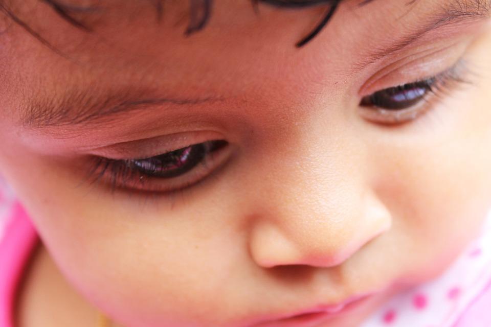 Actitudes o conductas extrañas en el bebé